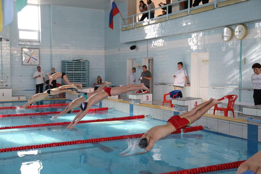 Новороссийские пловцы привезли серебро первенства края