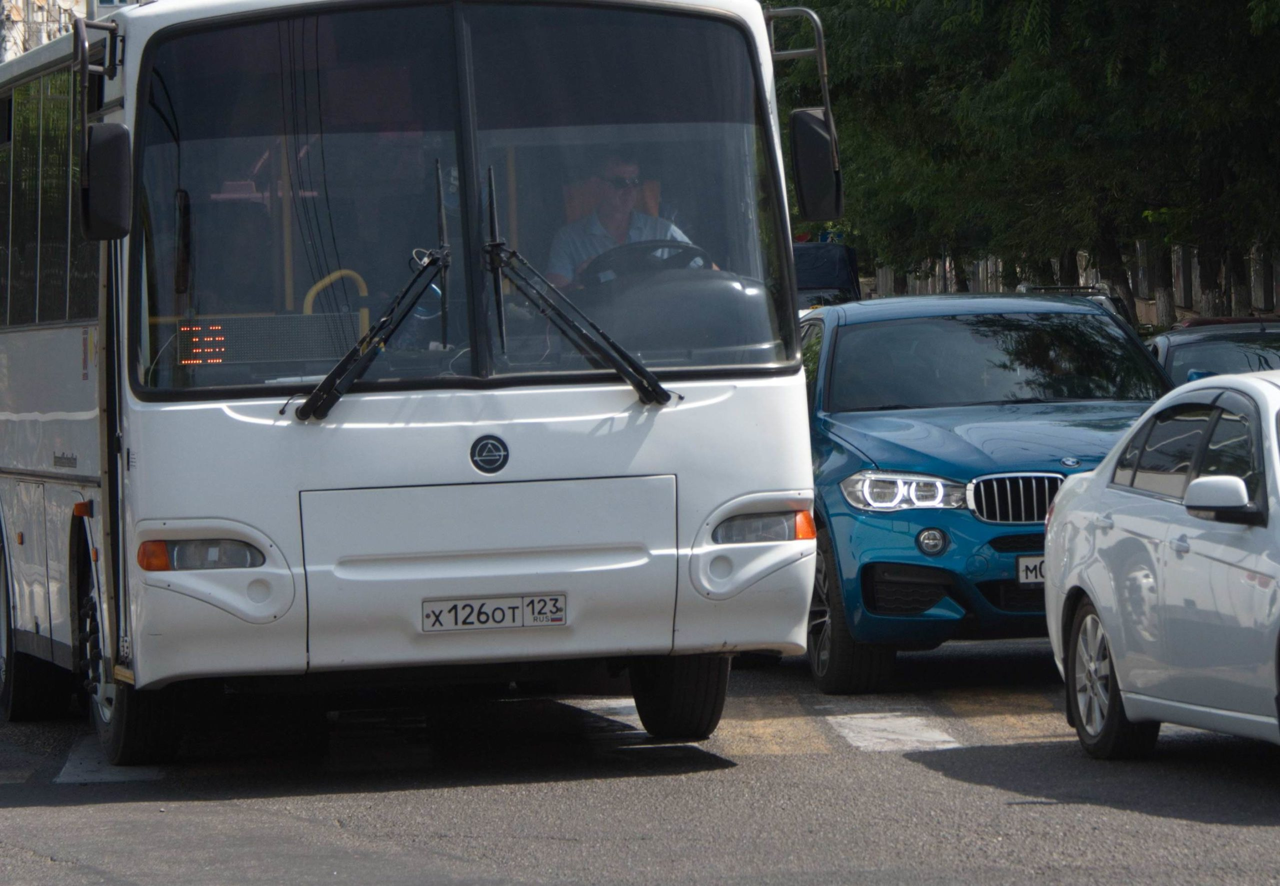 В Новороссийске транспорта на улицах будет меньше