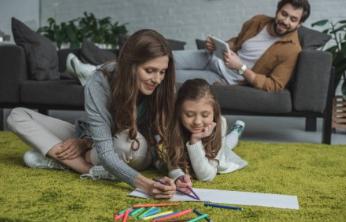 В Новороссийске семьи с детьми могут посидеть дома