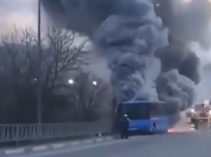 Под Новороссийском вчера горел пассажирский автобус
