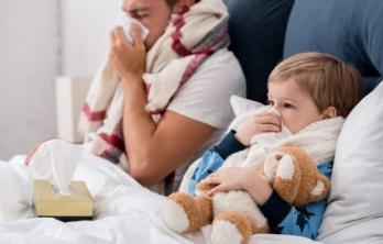 Больничный в размере 100 процентов от среднего заработка получат работники с детьми