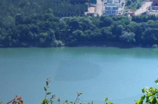 В Абрау под Новороссийском во время прогулки на лодке умер турист