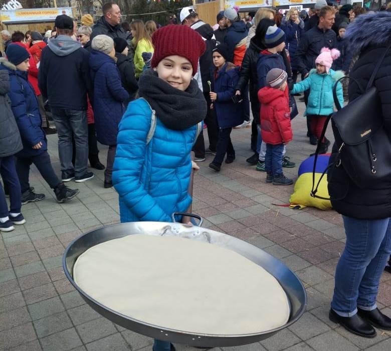 В Новороссийске весело проводили Масленицу