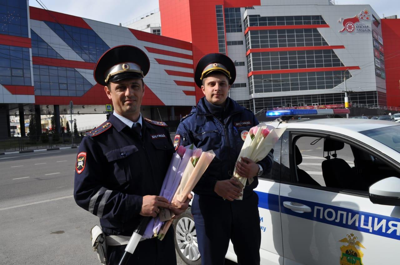 В Новороссийске женщин за рулем останавливали сотрудники ГИБДД