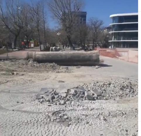 В Новороссийске в парке им. Фрунзе уничтожили памятник городам-побратимам?