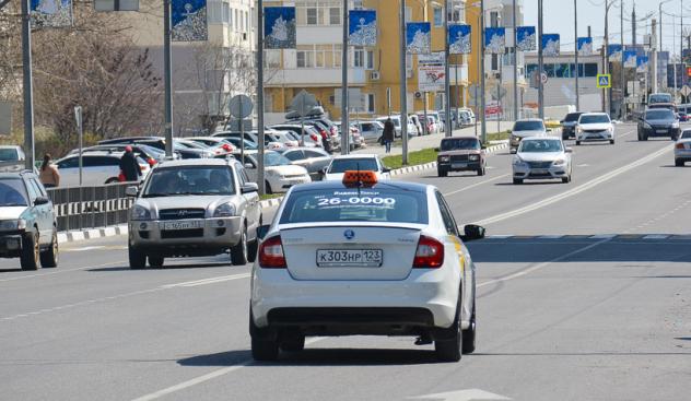 В Новороссийске начали ловить таксистов-нелегалов