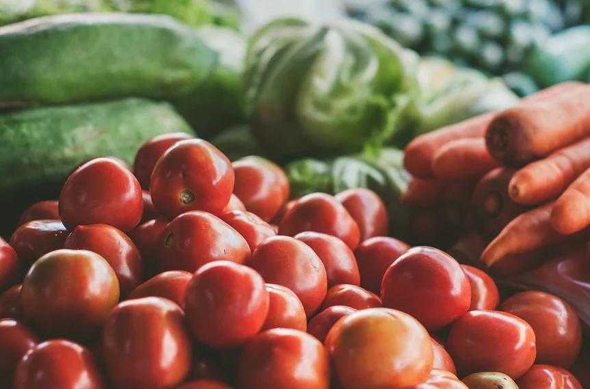 В Новороссийске в магазинах у дома фрукты дороже, чем в крупных сетях