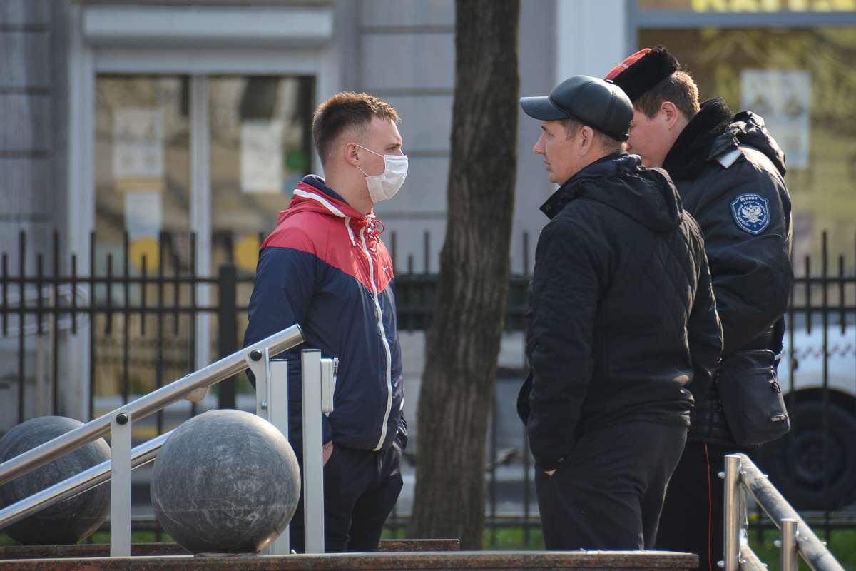Вернулись из путешествия и ходят по городу: новороссийцев оштрафовали на 30 тысяч рублей за несоблюдение карантина