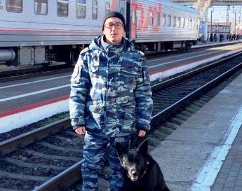 В Новороссийске мужчина хотел разобрать на металл железную дорогу