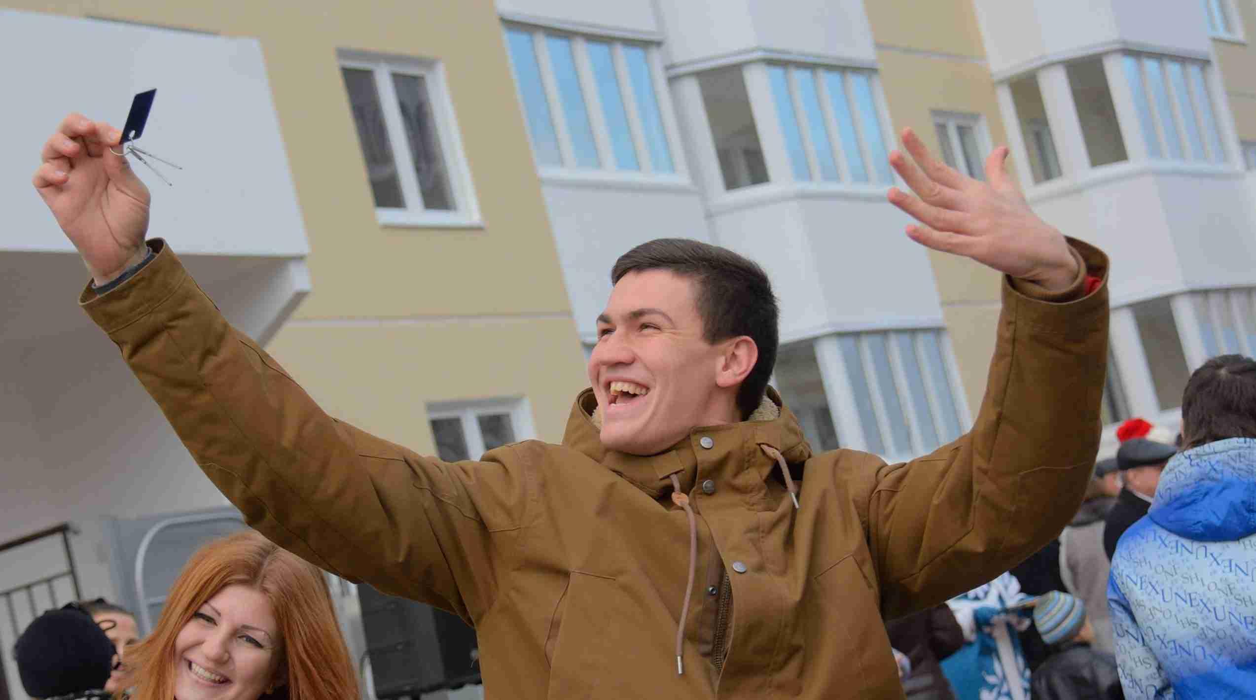 В Новороссийске в этом году дети-сироты получат 77 квартир
