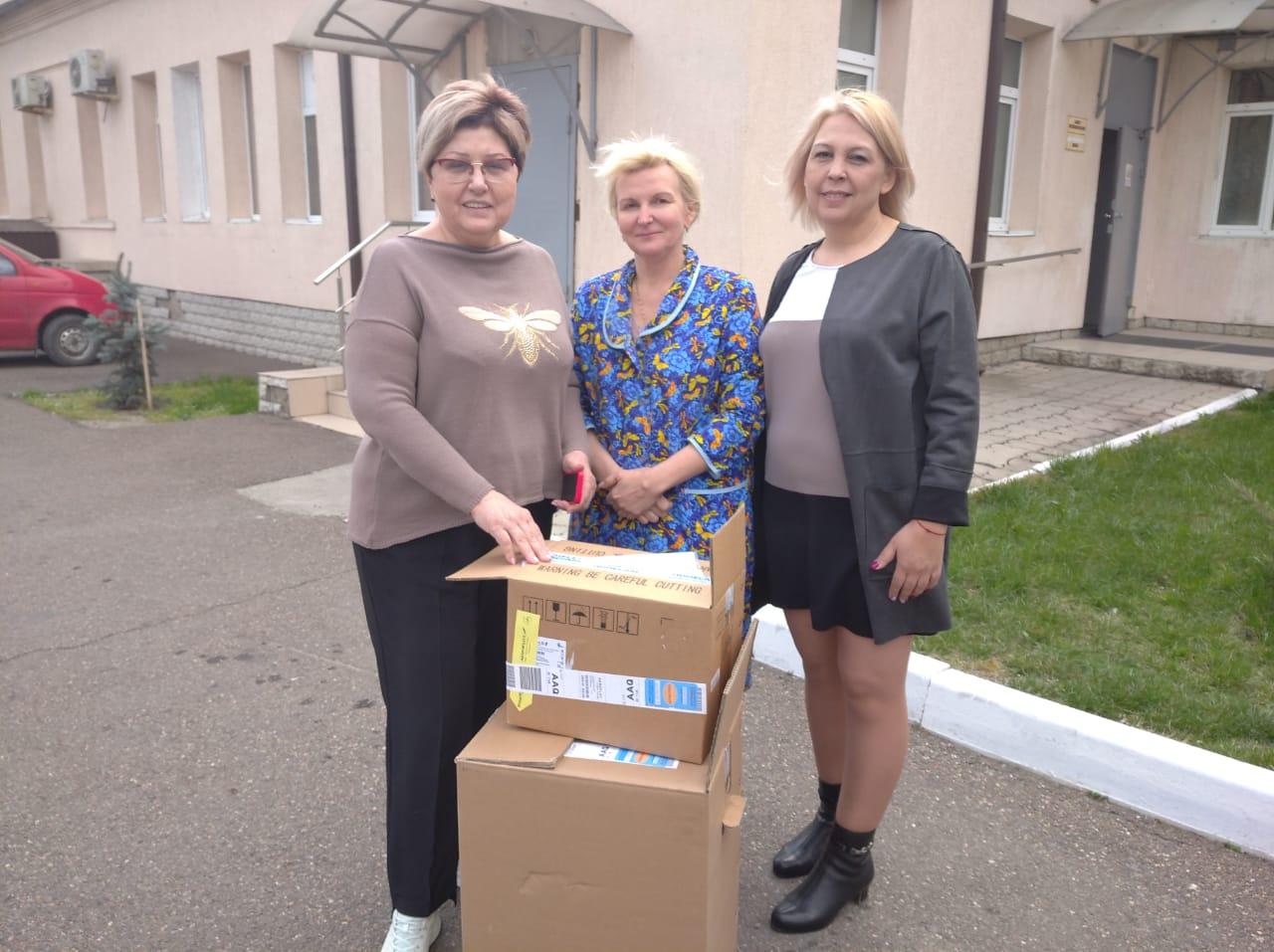В инфекционную больницу Новороссийска передали аппараты ИВЛ