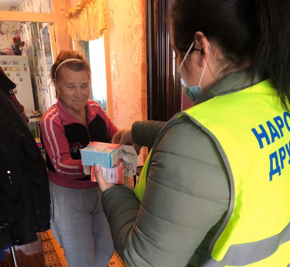Волонтеры Абрау кормят горячими обедами тех, кому сейчас совсем трудно