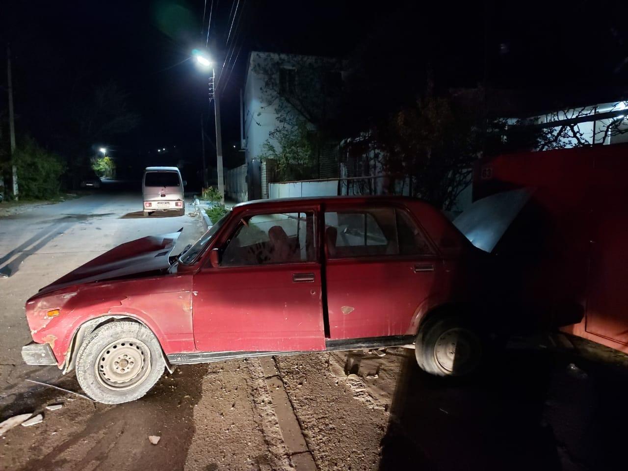 В Новороссийске ночные гонщики устроили две аварии. Есть пострадавшие