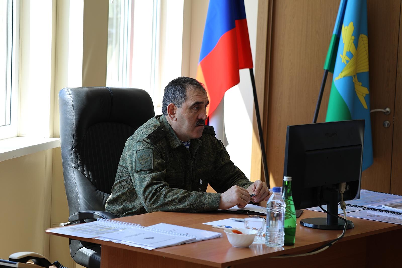 Замминистра обороны РФ Юнус-Бек Евкуров проверил состояние полигона в Раевской под Новороссийском