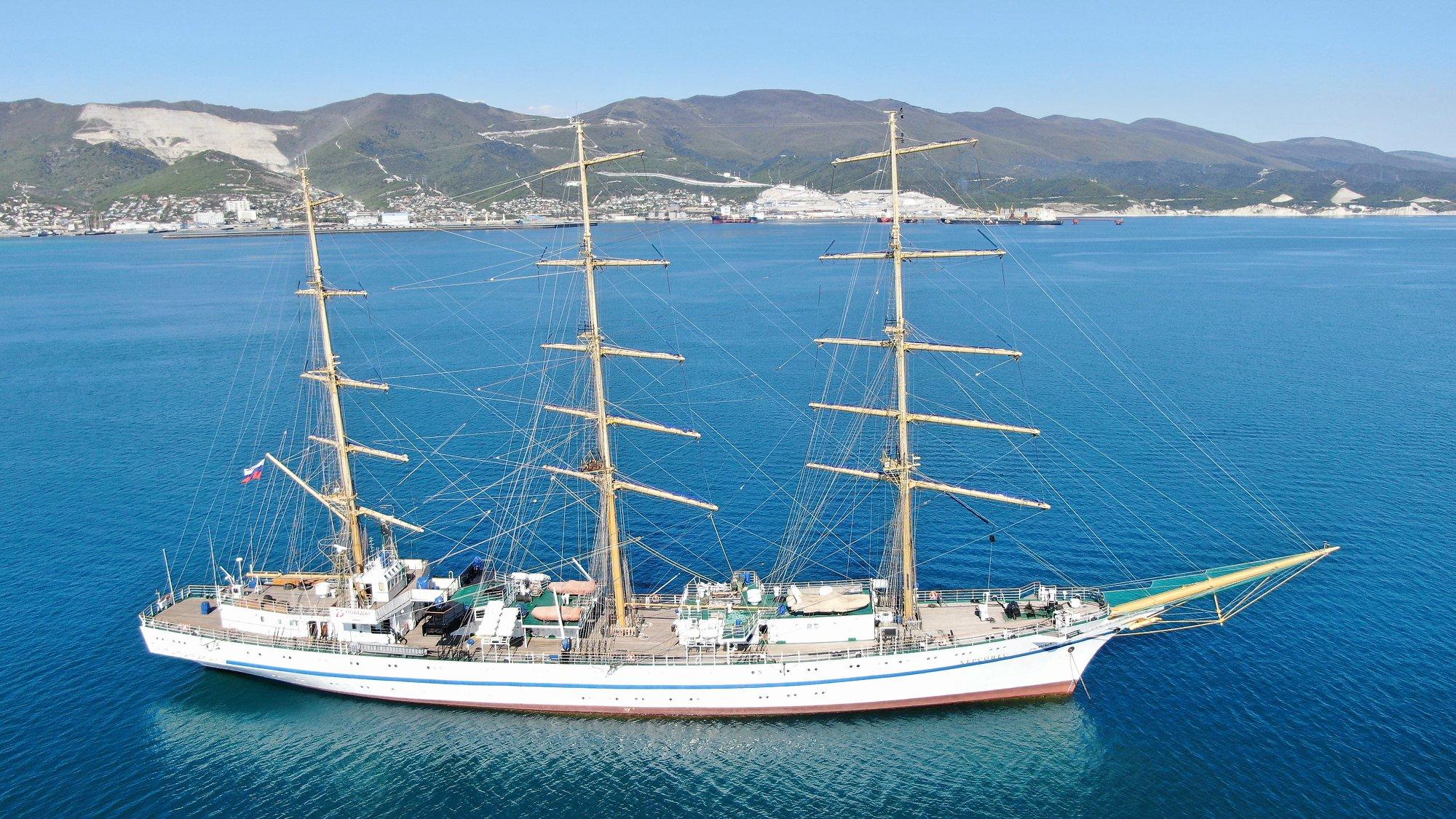 Экипаж новороссийской женской яхты «Колумб» стал серебряным призером розыгрыша Кубка парусника «Херсонес»