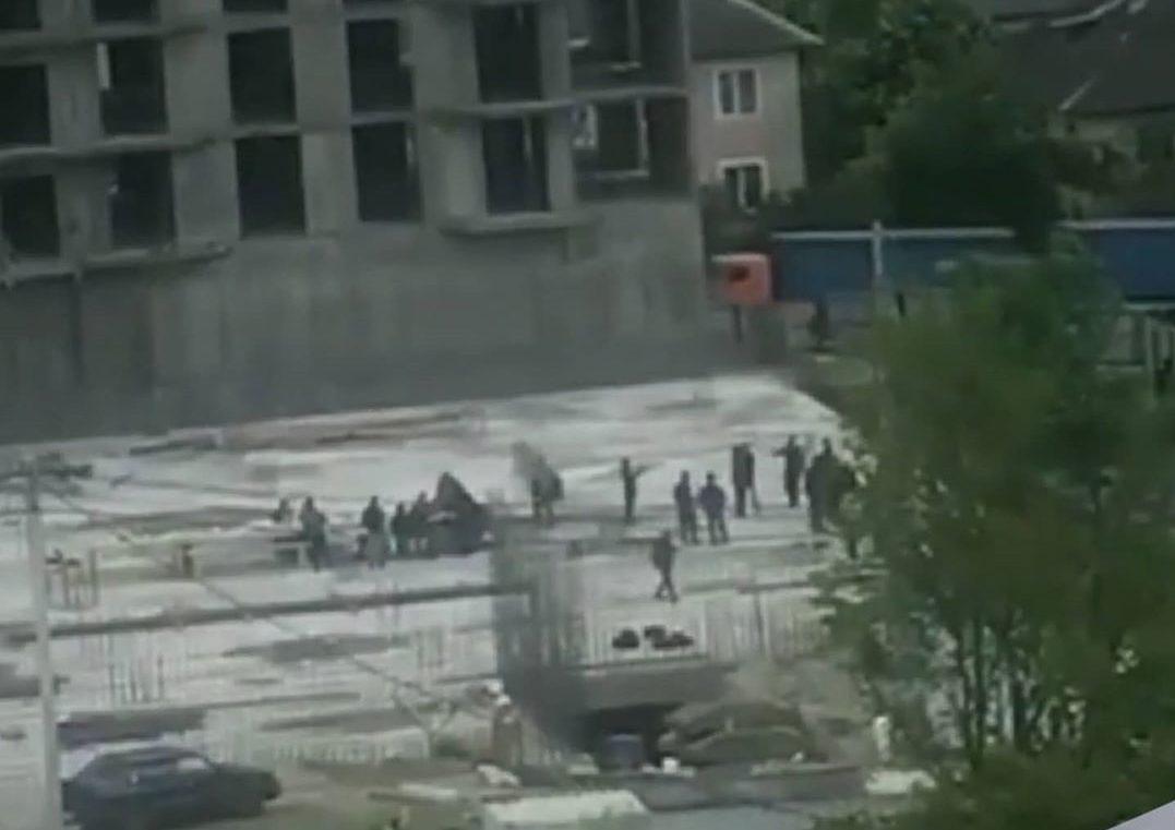 В Новороссийске за пикник на стройплощадке отозвали разрешение на строительство