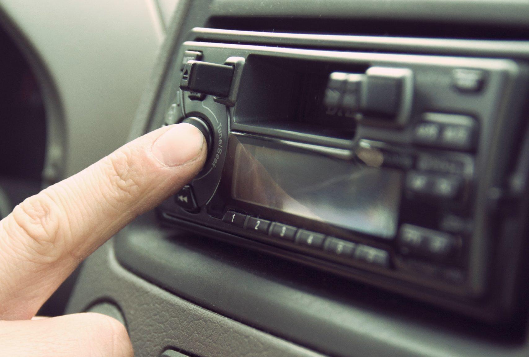 Водитель Новороссийска просит усилить контроль за машинами с громкой музыкой