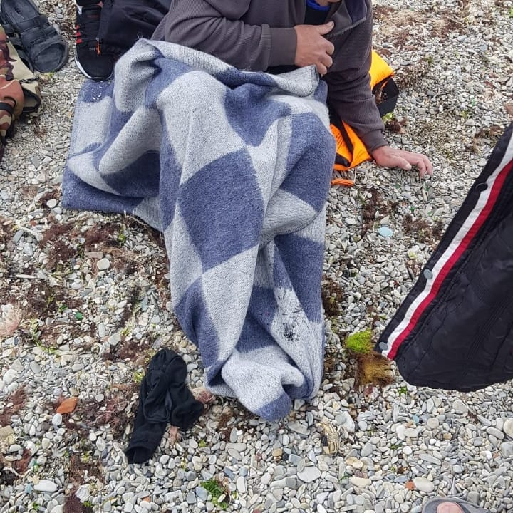 В Новороссийске рыбак упал в море с пирса и сам выбраться не смог