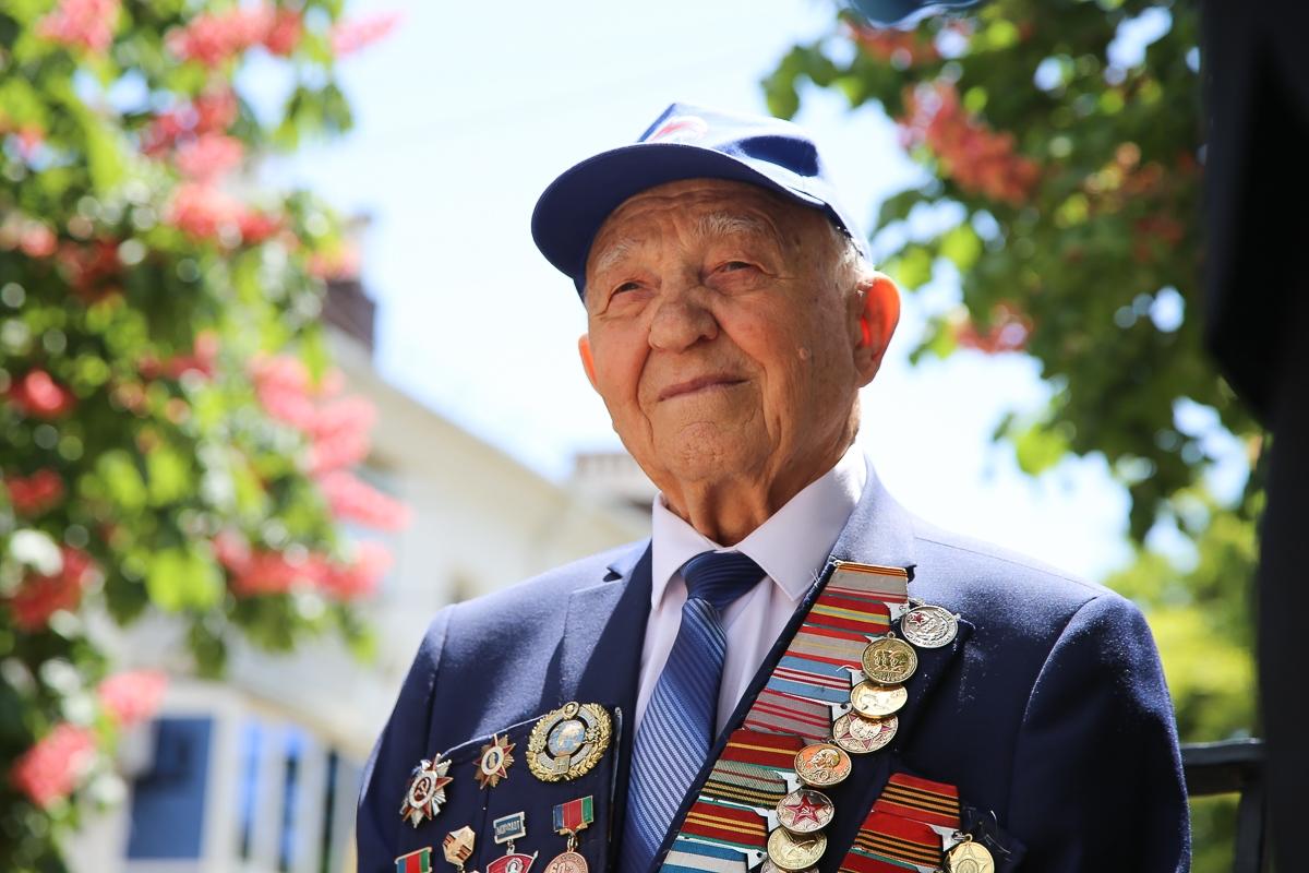Накануне Дня Победы пять ветеранов стали «Почетными гражданами Новороссийска»