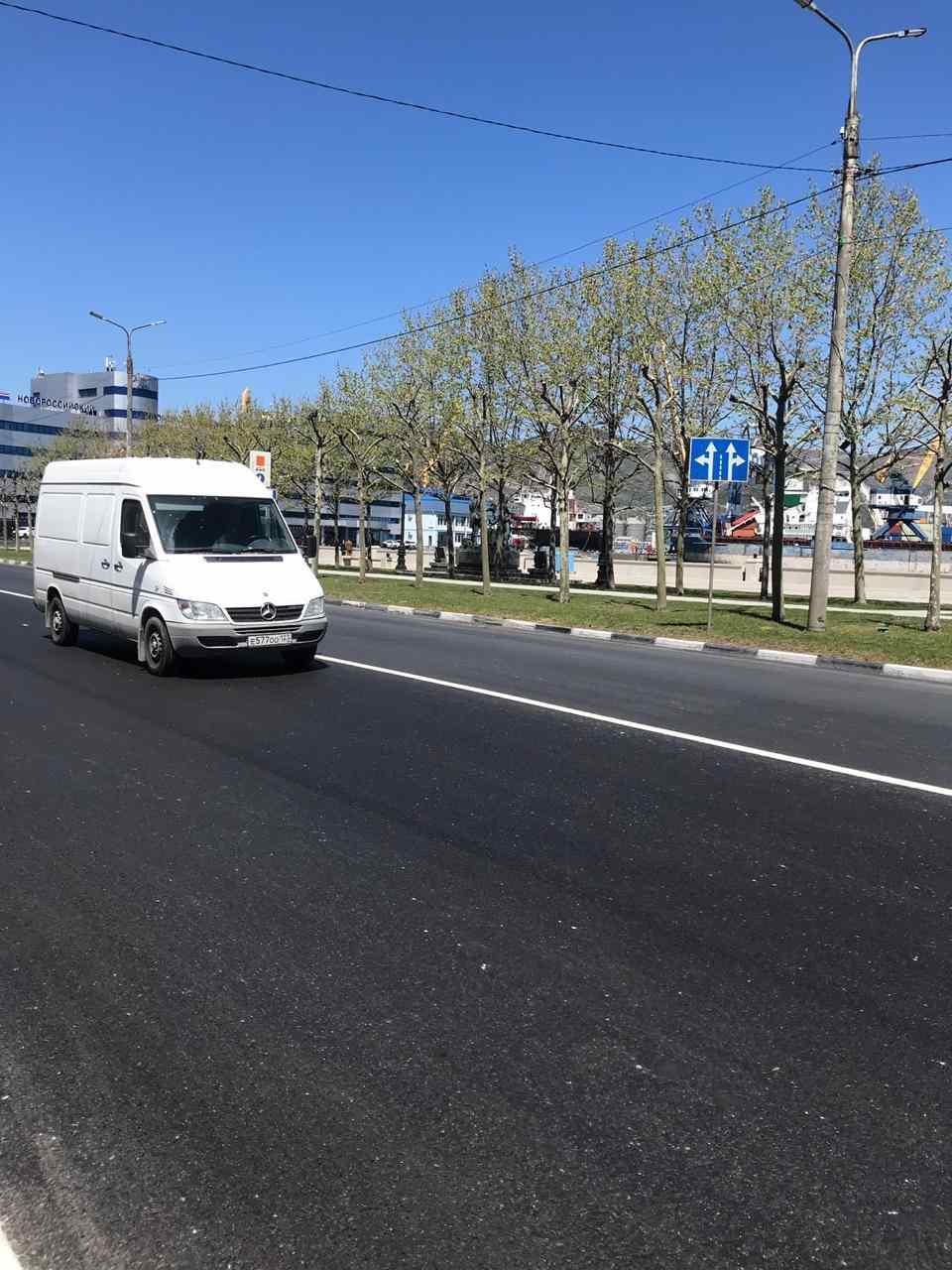 В Новороссийске отремонтировали «победные» улицы, планируют поставить новые светофоры и сделать искусственные неровности (адреса)