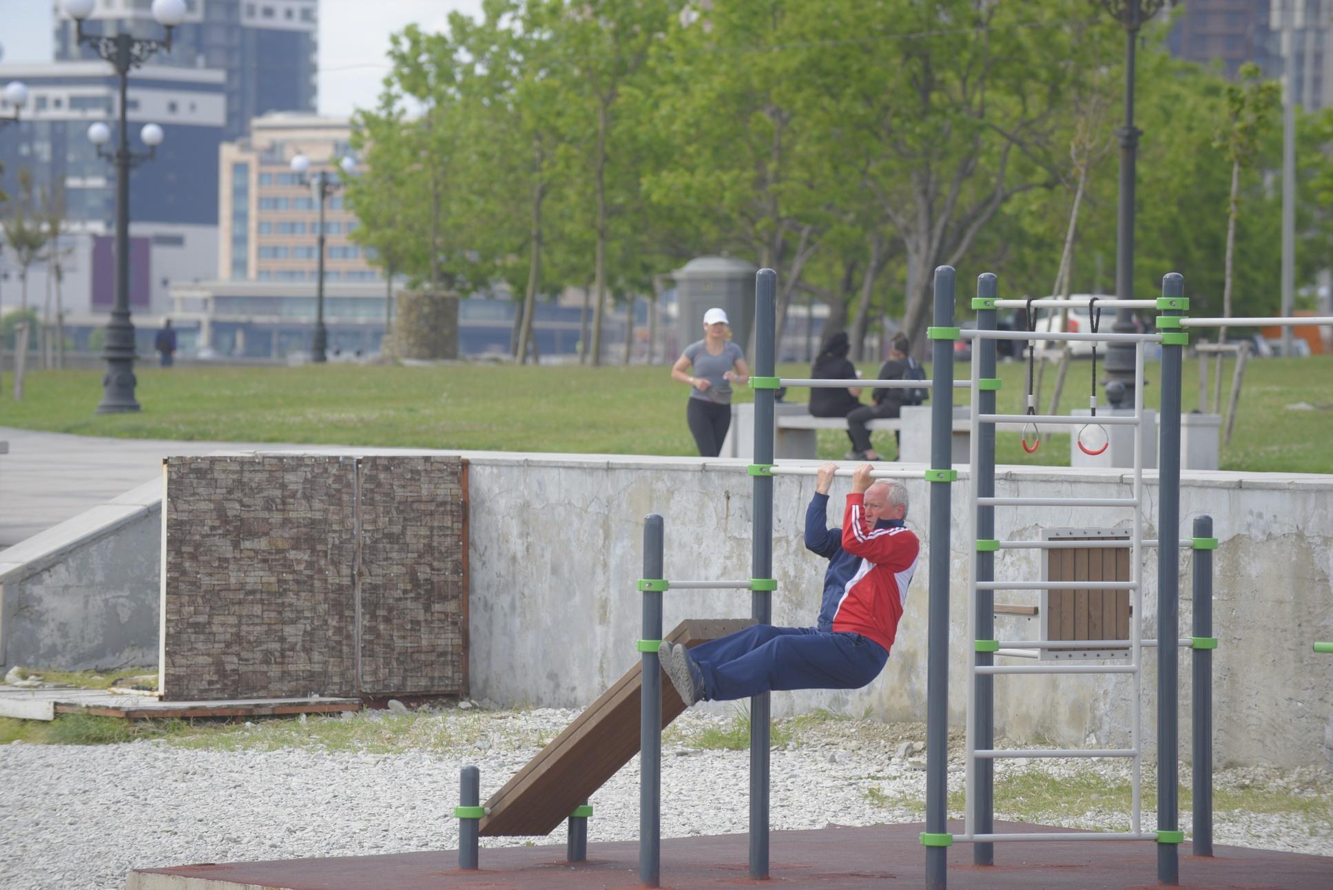 На Суджукской косе в Новороссийске создают дорогой спорткомплекс на открытом воздухе