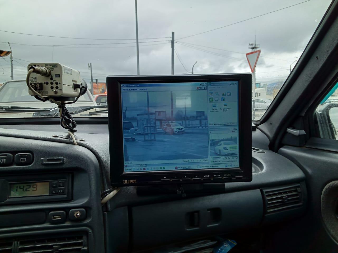В Новороссийске на ул. Советов за парковку на обочине будет штрафовать «Тайфун»
