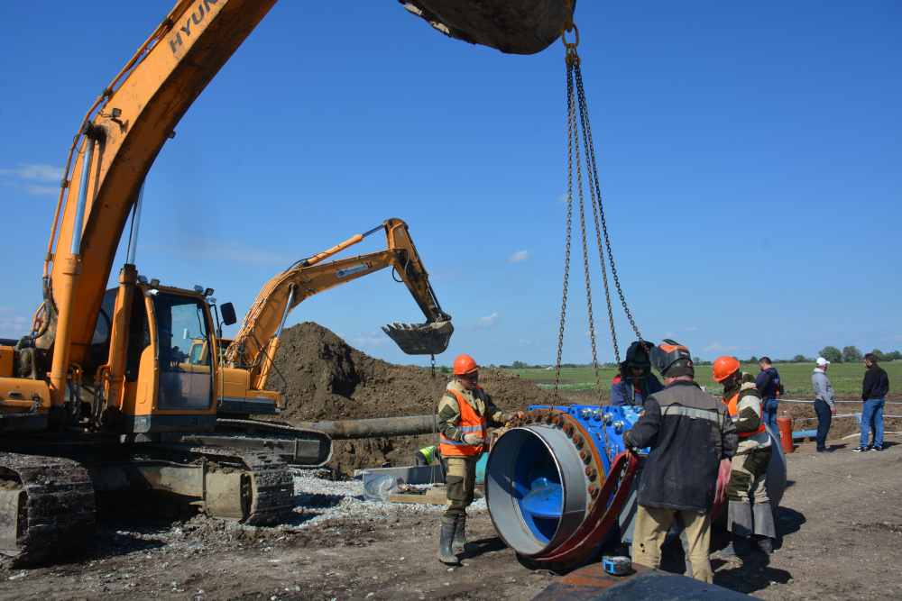 Неожиданно оперативно: в Новороссийске пошла вода по новой трубе от ТГВ