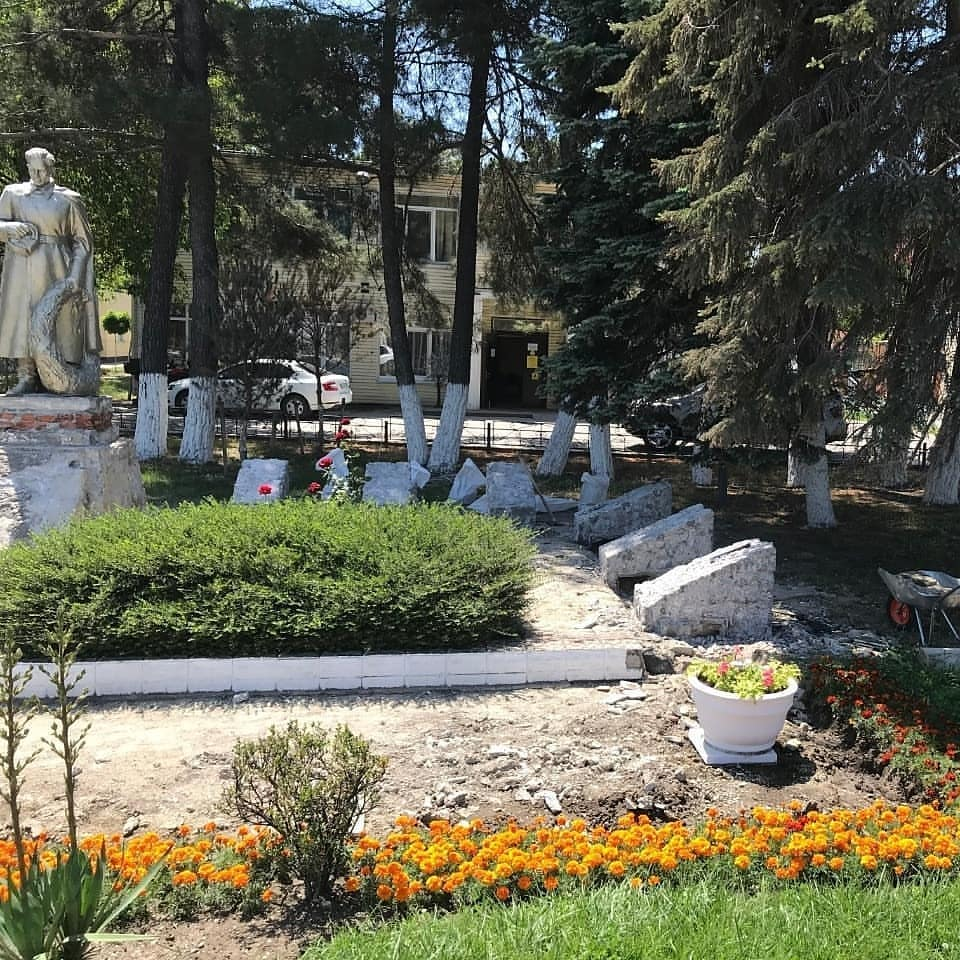 В Новороссийске приступили к реконструкции 6 братских могил