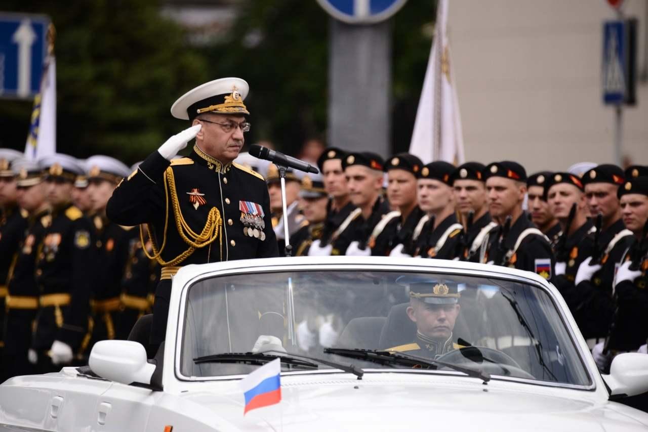 Парад Победы в Новороссийске: ветераны со слезами на глазах и вся военная мощь города