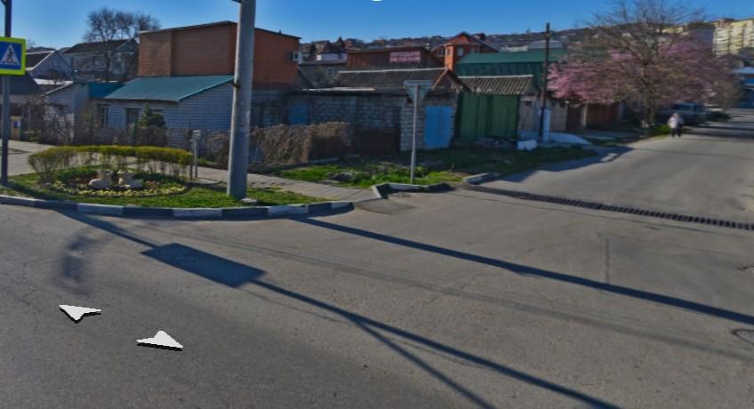 В Новороссийске, на улице Видова, сделают сплошную линию разметки