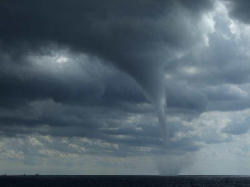 На Кубани ожидается ухудшение погоды, на море есть опасность смерчей