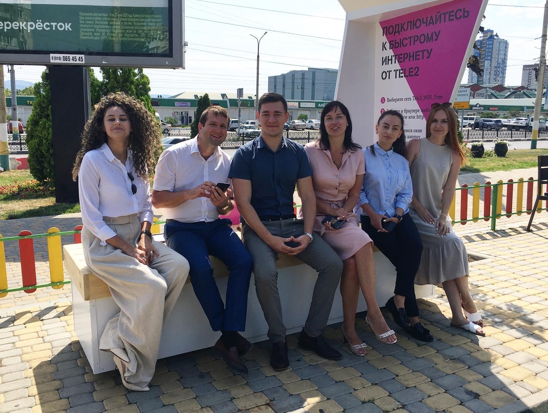 В Новороссийске открыли умную скамейку, которая читает сказки