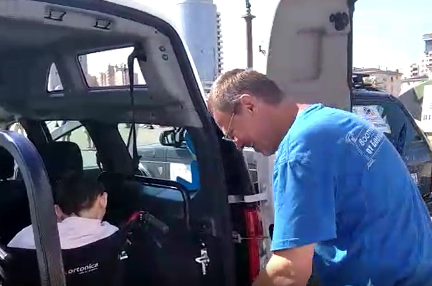 В Новороссийске мамам с особенными детками руку помощи протянуло движение автомобилистов