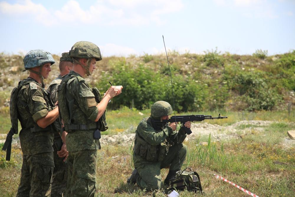 Вооруженные силы пополнят 250 новобранцев-новороссийцев. Один будет служить без оружия