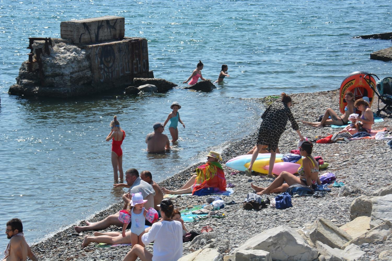 В Новороссийске начали делать еще один пляж