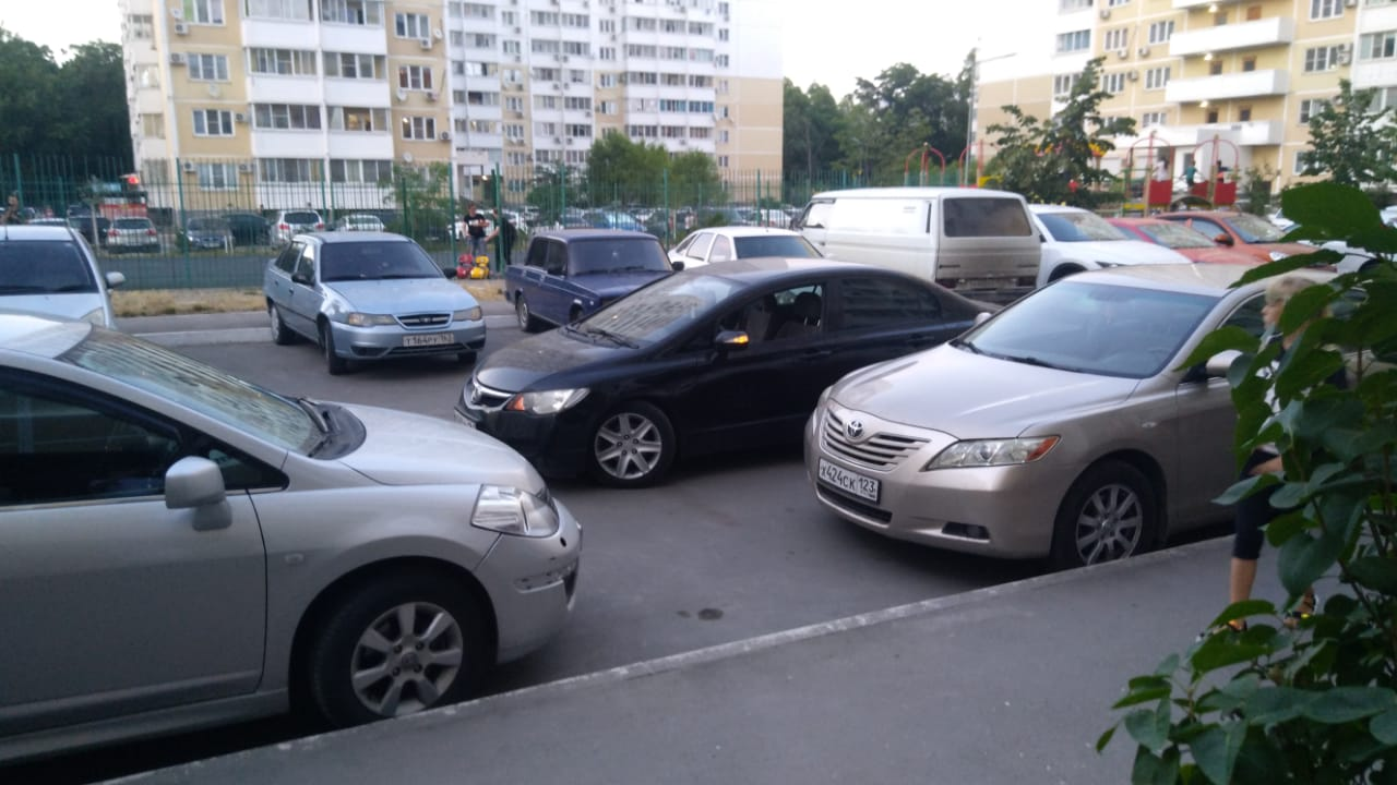 За один день в Новороссийске произошло четыре ДТП, пострадало 8 человек