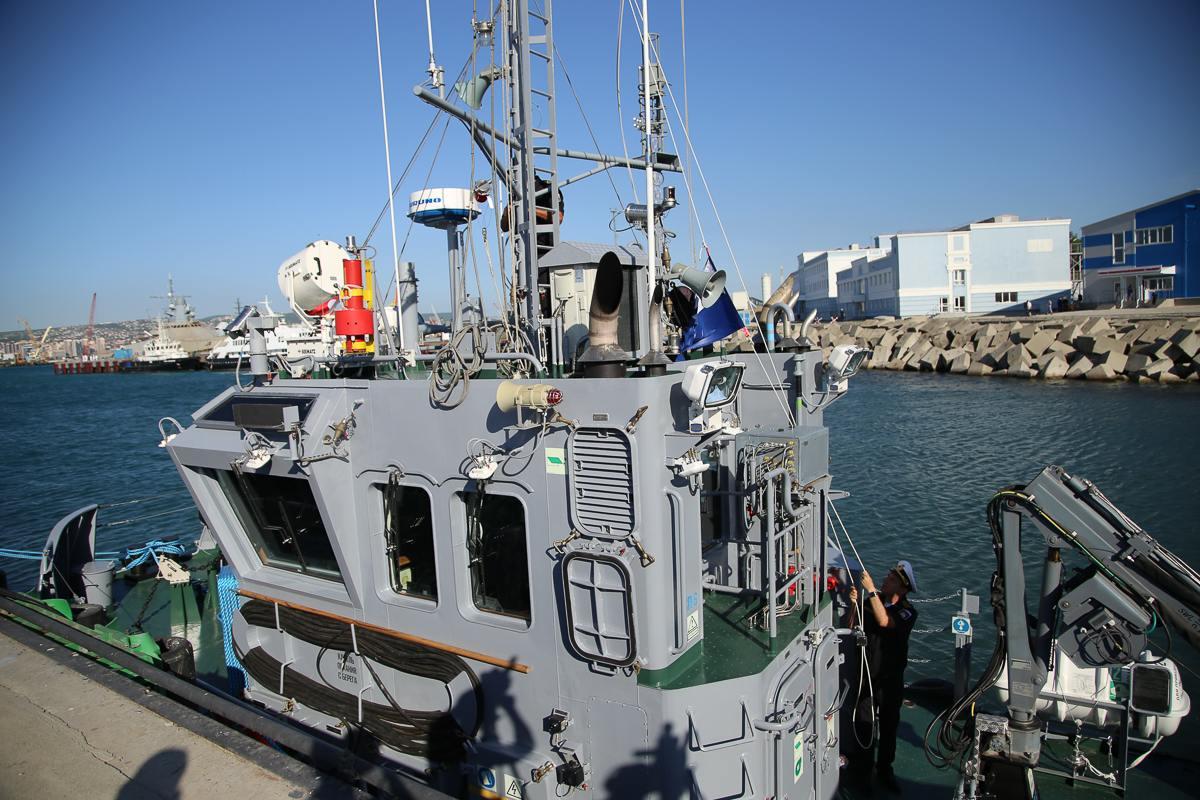 Новый буксир, принятый в состав Новороссийской военно-морской базы, может в одиночку отбуксировать подводную лодку