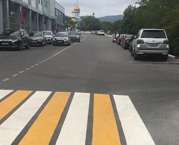 На дорогах Новороссийска появились новые пешеходные переходы