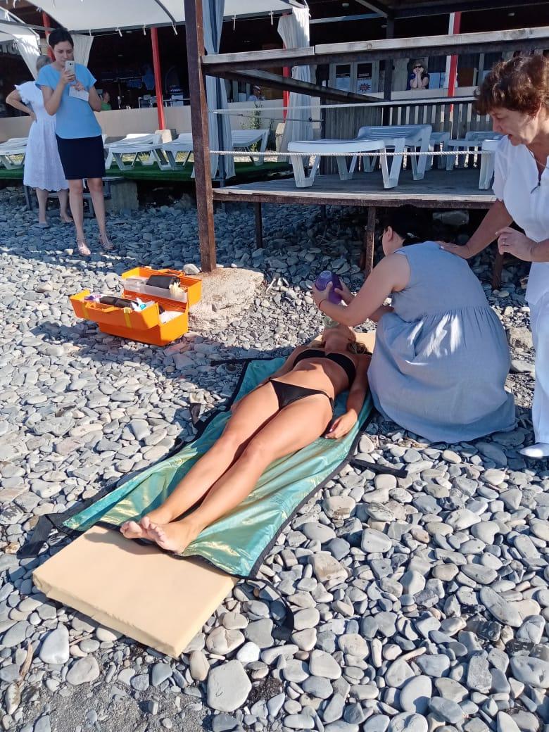 В Новороссийске отдыхающих попросили покинуть все пляжи