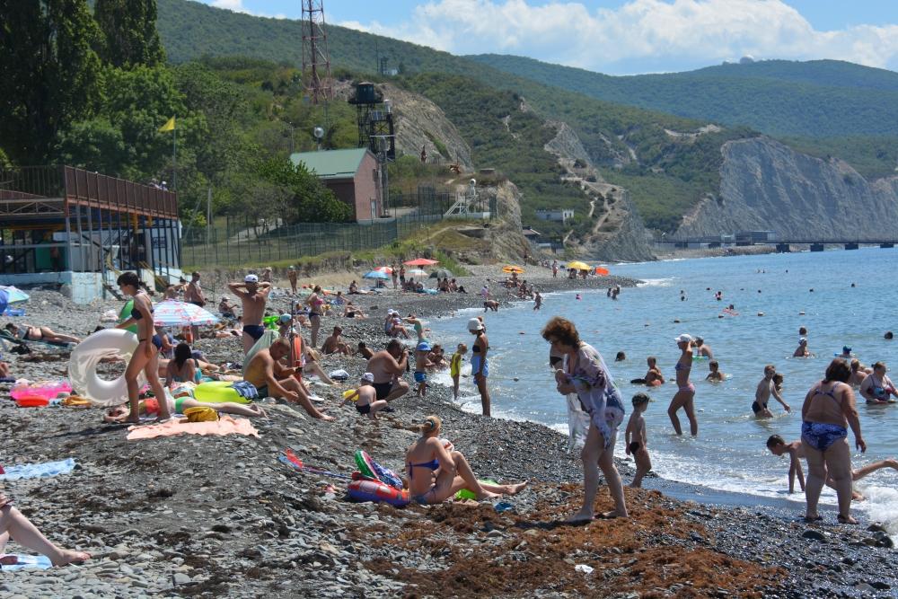 В Новороссийске на пляже умер мужчина