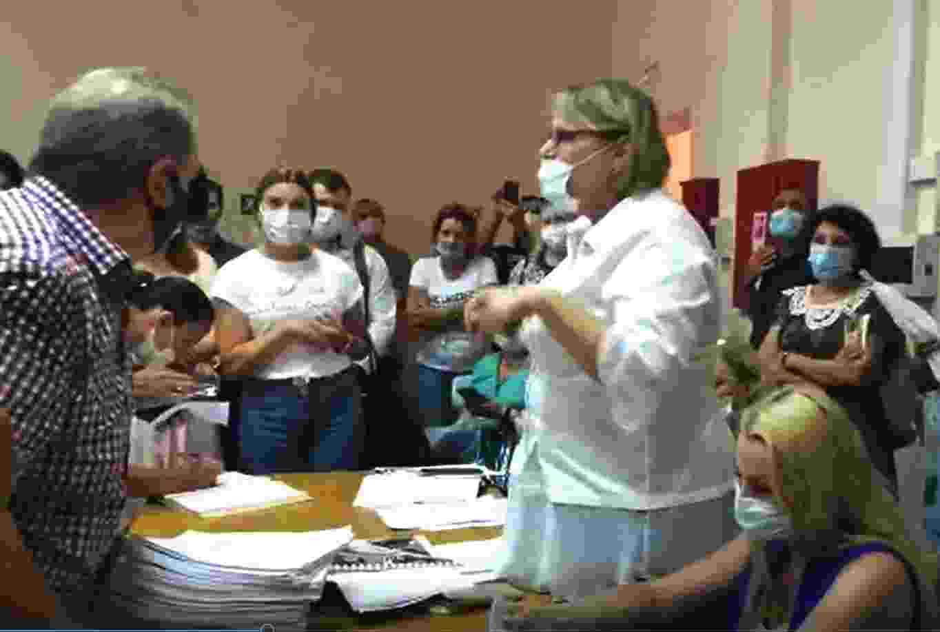 Новороссийцы на публичных слушаниях высказались против «расползания» аквапарка