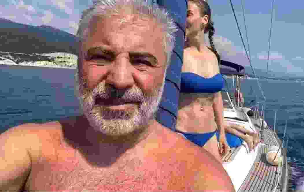 В Новороссийске побывал Сосо Павлиашвили. Он не пел в кадре, но искупался в море