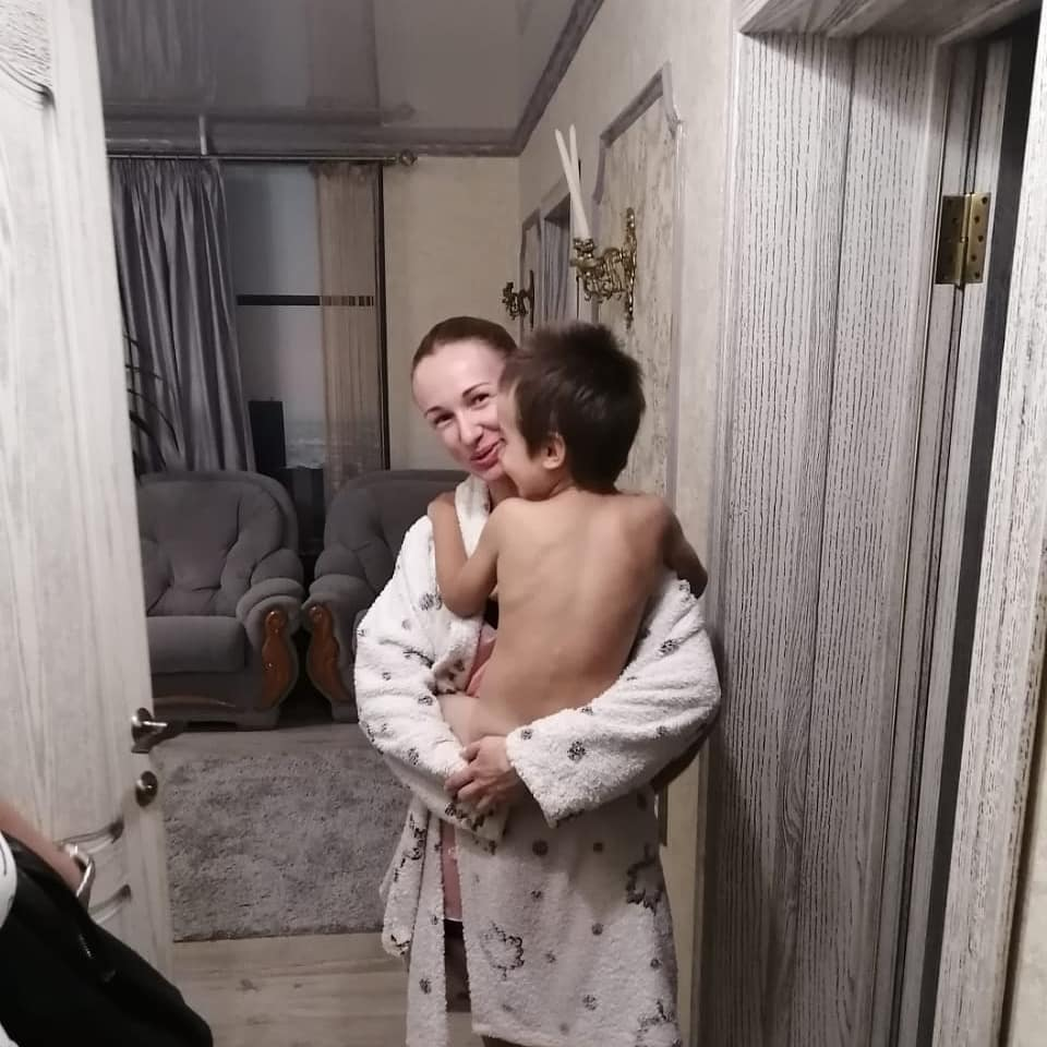 В Новороссийске вызволять малыша из запертой квартиры пришлось спасателям