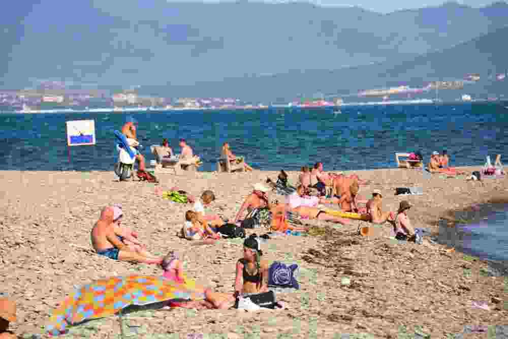 В Новороссийске полуголой курортнице рассказали о нормах приличия. Что еще раздражает горожан?