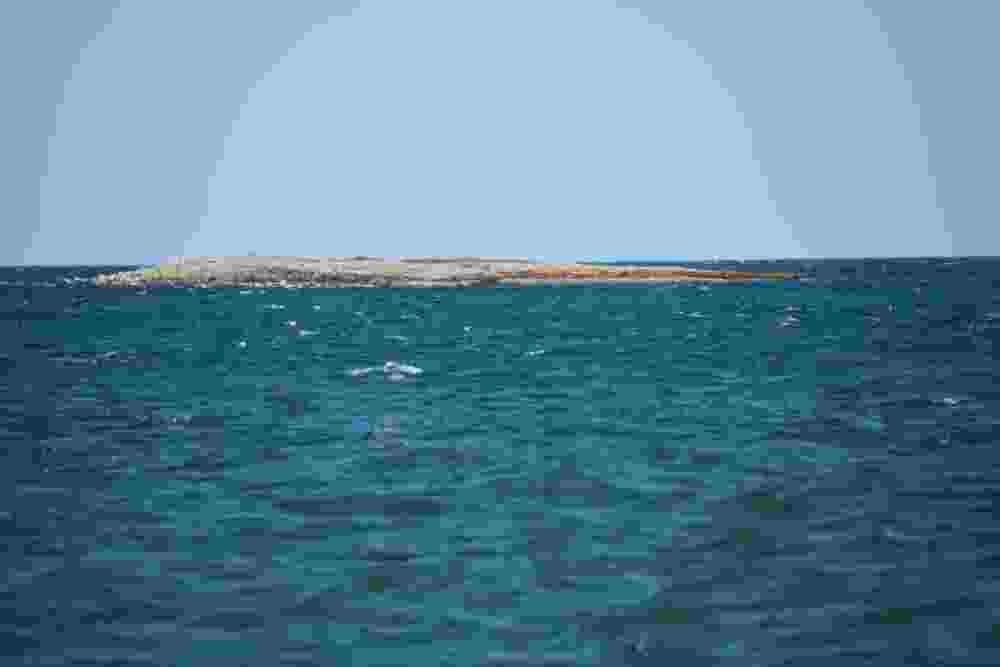 В Новороссийске на матрасе унесло в открытое море двух мужчин с детьми, сап-серферов и катамаран