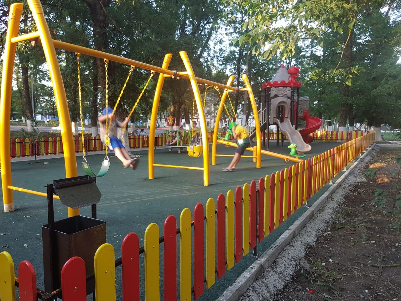 В Новороссийске люди запретили строить детскую площадку у себя под окнами