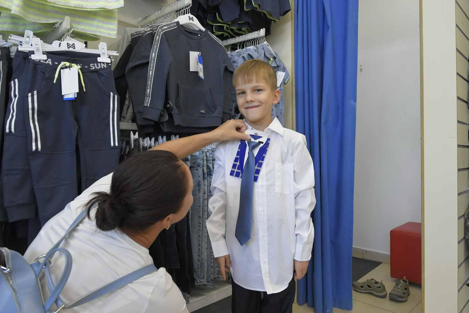 В какую форму оденут новороссийских школьников?