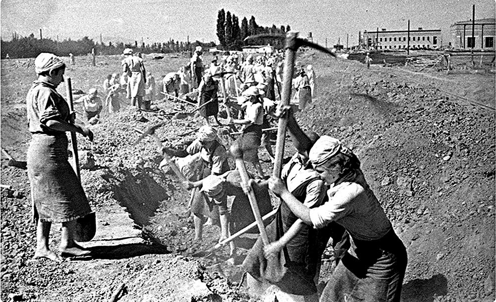 Самые легендарные стройки Новороссийска:  история города, которую многие не знают