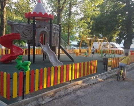 В Новороссийске 40 процентов детских площадок не соответствуют новым требованиям безопасности