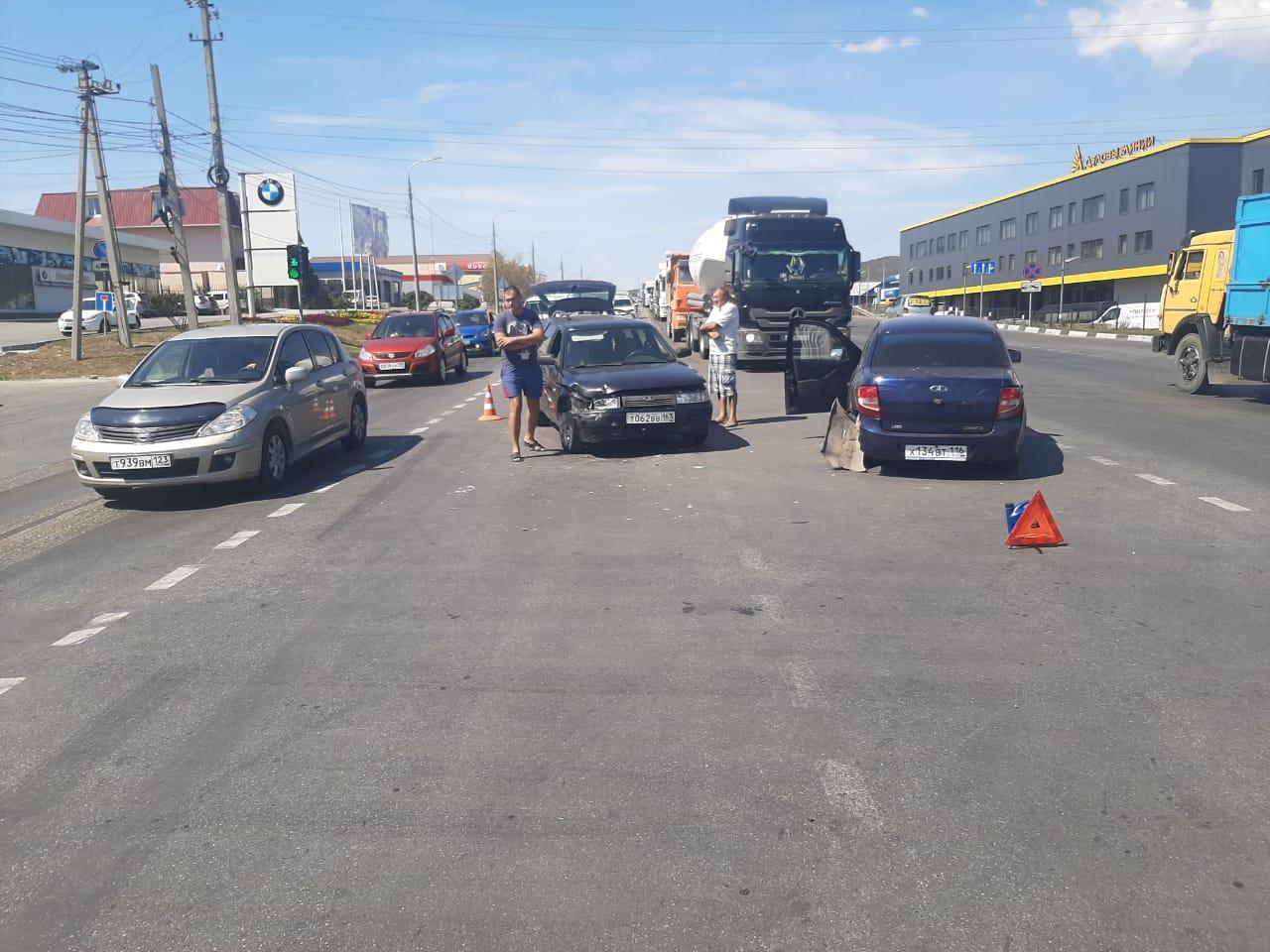Гости Новороссийска попали в ДТП. Пострадал ребенок